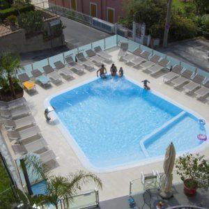 piscina-pietra-ligure-appartamenti-05
